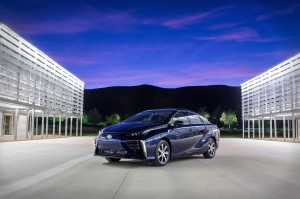 2016_Toyota_Fuel_Cell_Vehicle_002