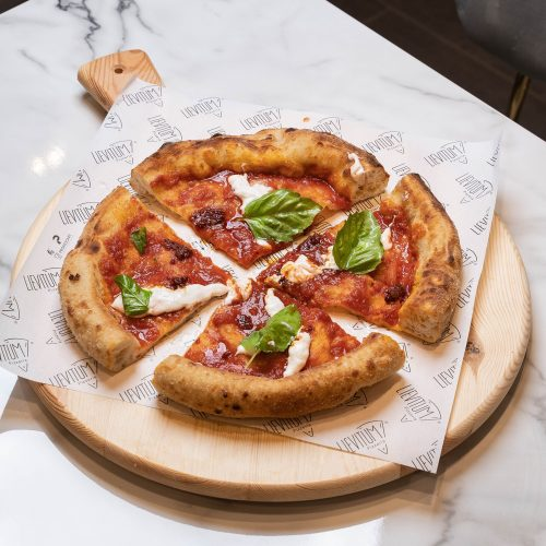 Lievitum: la pizzeria napoletana arriva a Quarto