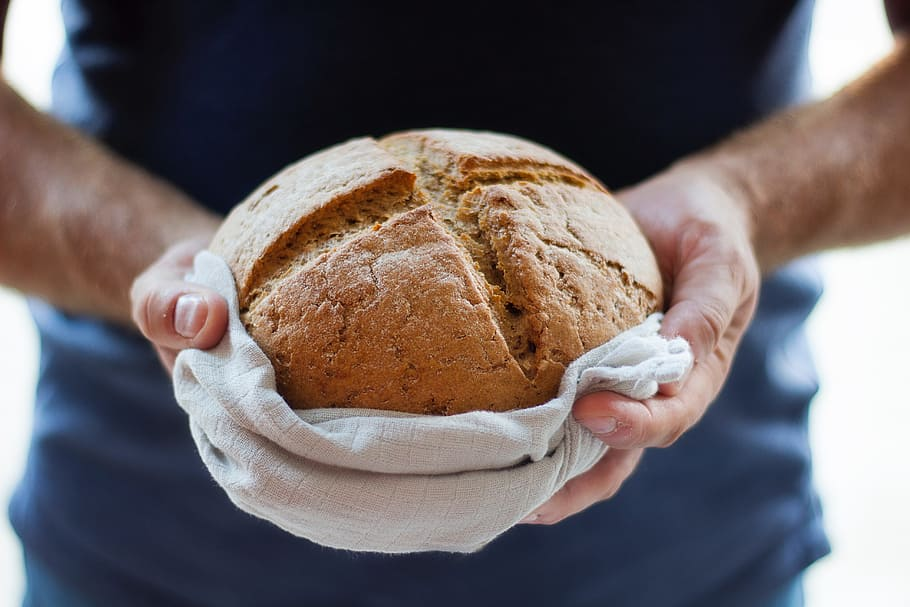 Napoli per Bread for future: il pane all'acqua di mare per salvare l'ambiente