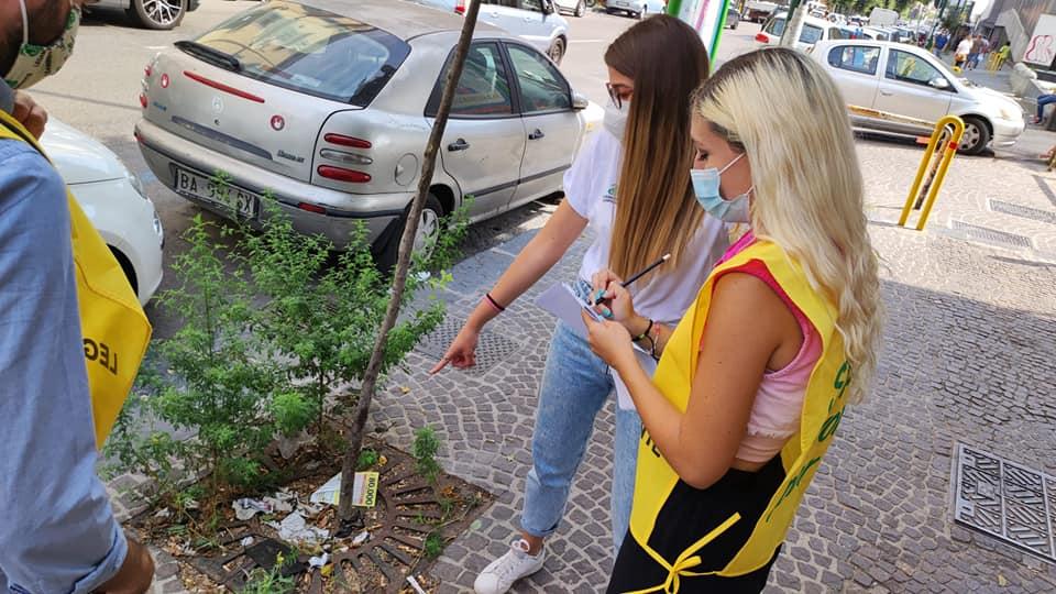 Rifiuti Covid: la situazione nei quartieri di Napoli